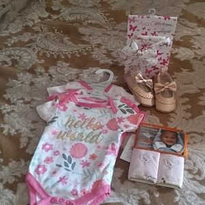 Baby girl 0-12 months brand new bundle